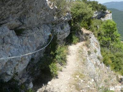 Parque Natural de Izki; excursiones de verano actividades senderismo accesorios senderismo senderism